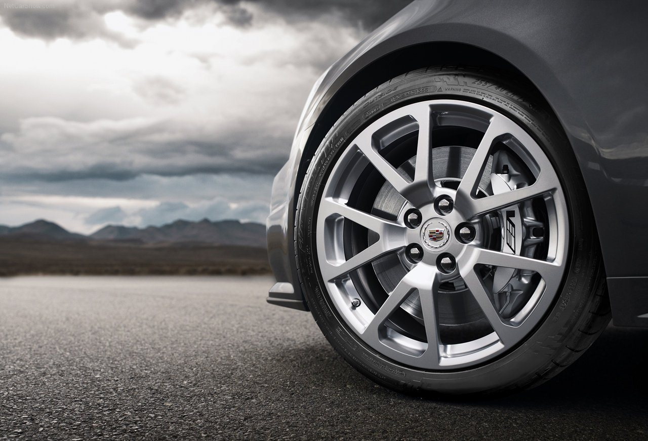 2011-Cadillac-CTS-V-Coupe-car-wheels
